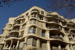 Barcelone - La Pedrera - Casa Mil (larsen & co) Tags: barcelona spain gaudi espagne barcelone modernisme casamil lapedrera antonigaudi