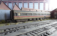 MK2 Coach, Withdrawn, Awaiting Scrapping. (ManOfYorkshire) Tags: withdrawn lindseywest sidings mk2 aircon airfix coach scrapped scrapping intercity britishrail blue condition poor tracks 176 scale model oogauge waiting