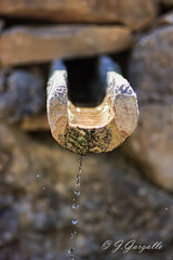 Gota a Gota (J.Gargallo) Tags: fuente aragn teruel mosqueruela espaa eos eos450d canon canon450d agua tokina tokina100mmf28atxprod