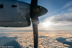 160802 NSN-AKL-09.jpg (Bruce Batten) Tags: vehicles aircraft subjects mountains cloudssky atmosphericphenomena aerial businessresearchtrips egmonttaranaki sun locations newzealand trips occasions celestialobjects southpacificocean oceansbeaches tasmansea snowice glitter shadows reflections airplanes