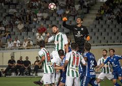 Rodas a por todo (Markus' Sperling) Tags: hector rodas corner portero football futbol balon saque tenerife crdoba cf ccf