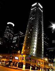 Foshay tower, Minneapolis downtown (Sribha Jain) Tags: nightphotography skyline night minneapolis clear mn minnessota slowshutterspeed foshaytower