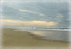 Le solitaire... (kate053(absente)) Tags: mer france soleil sable nuages vagues pcheurs ocan landes flickrdiamond blinkagain
