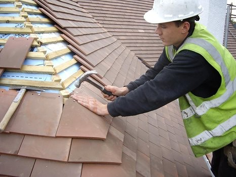 8116958465 50313c67cf My top tips for staying safe during roof repair