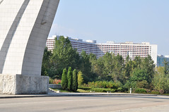 DSC_0535 (yackshack) Tags: travel nikon asia asien north korea explore pyongyang corea dprk coreadelnorte nordkorea d5000 coredunord coreadelnord   reunificationmonument pjngjang dvrk