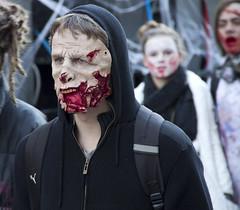 Hmmmphrrrr (Nutena) Tags: france dead scream horror lille zombies maquillage cri dfil dguisement horreur populaire peur masse walkingdead zombiewalk rassemblement mortsvivants