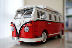 LEGO Volkswagen T1 Camper Van () Tags: colors lego general bokeh sony za carlzeiss 10220 emount volkswagent1campervan sel24f18z sonynex5n carlzeiss24mmf18lens sonnart1824 1332pieces