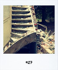 "#DailyPolaroid 25-10-12 #27 • <a style=""font-size:0.8em;"" href=""http://www.flickr.com/photos/47939785@N05/8132464571/"" target=""_blank"">View on Flickr</a>"