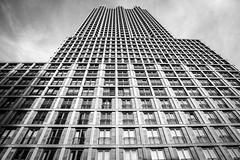 De Kroon (Christopher A. Dominic) Tags: bw holland netherlands architecture skyscraper nederland denhaag thehague architectuur kroon wijnhaven wolkenkrabber turfmarkt dekroon wijnhavenkwartier lagezand