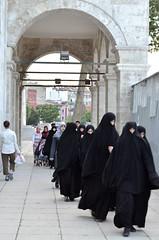 (Sana Manejwala) Tags: black turkey nikon minaret muslim islam prayer hijab arches istanbul dome cloak ottoman cami salat masjid salah camii niqaab carsaf suleimanthemagnificent d5100