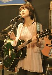 (chikache) Tags: music bar night nikon guitar gig maiko acoustic d300 isao strawberrygoat uree イチゴヤギ