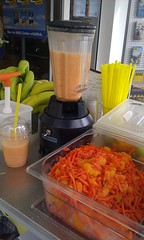 """Smoothie Catering beim ADAC • <a style=""""font-size:0.8em;"""" href=""""http://www.flickr.com/photos/69233503@N08/8447767656/"""" target=""""_blank"""">View on Flickr</a>"""