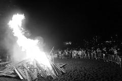 el fuego (clover2500) Tags: blancoynegro tenerife nochedesanjuan nocturnas