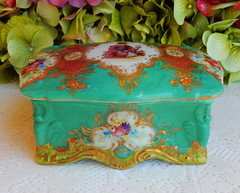 Nippon Porcelain Hand Painted Footed Covered Box ~ Gold (Donna's Collectables) Tags: nippon porcelain hand painted footed covered box ~ gold