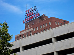 Hotel Pere Marquette, Peoria, IL (Robby Virus) Tags: peoria illinois marriott hotel pere marquette scaffold sign signage national register historic places