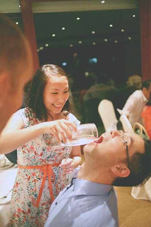 婚禮攝影-喝水