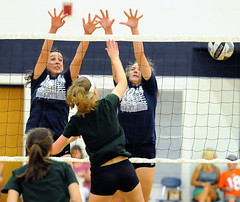 DSC_0757 (K.M. Klemencic) Tags: hudson high school volleyball lady explorers elyria catholic cvca royals scrimmage ohio