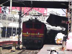 Mithila Express (Smeet Chowdhury) Tags: ir express mithila howrah digitalcameraclub irfca 22635 hwh wap4 13021 alltypesoftransport panoramafotográfico hwhrxl