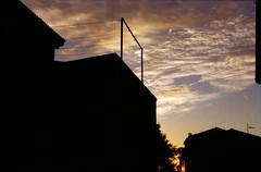 perpendicolare a te. (piermario) Tags: sardegna morning lines clouds 50mm early nuvole sardinia shadows things ombre contax pacifico stelle cose mattina presto linee seneghe 139quartz perpendicolare montiferru dalgiardinotropicale mentredormi forseunadiquelle