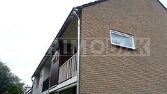 Dakdekker: Woningblok in IJsselstein voorzien van nieuwe zinken dakgoten, gelegd in de bestaande beugels. De h.w.a./ regenpijp van pvc verwijderd, vervolgens nieuwe regenpijp gemonteerd met wrong van titaan zink