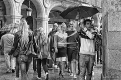 Novatadas en la Plaza Mayor (Gonzalo y Ana Mara) Tags: anamara salamanca canonef1740mmf4lusm plazamayordesalamanca canoneos7d estudiantesuniversitarios gonzaloyanamara novatadasenlaplazamayor
