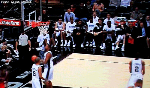 20121026-trevor-booker-up-and-under-vs-boris-diaw
