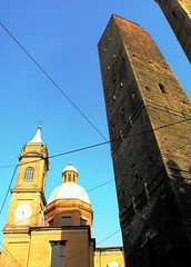 The towers of Bologna - Italy (Sand V-R) Tags: towers bologna