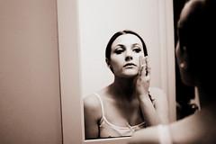 * (Sonunamela) Tags: light portrait color cute girl beautiful 35mm canon lens rebel pretty xsi