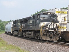 Norfolk Southern Chicago Line / MP 474 West (codeeightythree) Tags: ns norfolksouthernrailroad norfolksoutherchicagoline otisindiana transportation freight passingtrains laportecountyindiana