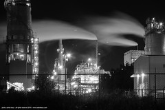 factory (artland) Tags: fabric factory oil produce longexposition gas bw bp brancoepreto carlosbezz bezz cartland arltandstudio studio street night architecture cloud pollution poluicao blackandwhite montreal quebec plant
