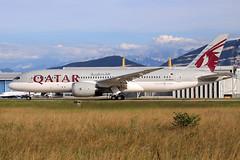 Qatar Airways  Boeing 787-8 Dreamliner A7-BCV (widebodies) Tags: genf geneva gva lsgg widebody widebodies plane aircraft flughafen airport flugzeug flugzeugbilder qatar airways boeing 7878 dreamliner a7bcv