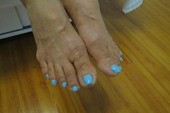 Kim (Rayray150) Tags: mature asian feet toes soles flipflops