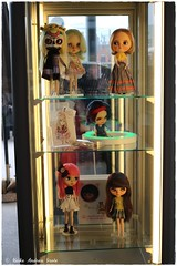Blythecon  18 of 184 (Heike Andrea Grote ♥️) Tags: blythe licca basaak zoe blytheconeuropehamburg blythecon bceu2016 bceu blytheconhamburg2016 hamburg elbarkaden hafencity heikeandreagrote blythedoll blythestagram blythephotgraphy blythecustom instadolls dollphotography monchhichi japan doll cute kawaiifriends fun funny pink sweet smile art cool photo pictureofthedayphotooftheday bestoftheday picoftheday love beautiful happy followme follow