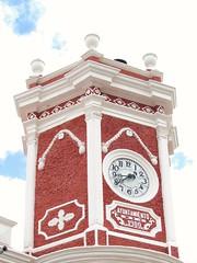 Reloj Monumental Bernal, Quertaro.  #PeadeBernal (Diego (viajandosinrumbofijo)) Tags: peadebernal atardecer mextagram traveling viajandosinrumbofijo mexicotravel viajeros aventura mexico amazing cute descubriendomexico misviajesmexicodesconocido mexicodesconocido viajar turismo visiting visitmexico sunset travel