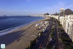 Praia de Copacabana no Rio de Janeiro (marcelo nacinovic) Tags: copacabana riodejaneiro brasil brazil brasilien brazilian bresilien brsil avenidaatlntica drone dji djiphantom3 djiphantom3standard phantom3 phantom3standard phantom aerialview buildings marcelonacinovic mar sea nacinovic olympicgames olimpadas olympics olimpadas2016 olympics2016 paralympic paralympics 2016 rio2016 reveillon carnaval hostel nude natureza nature family familia
