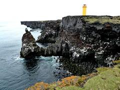 P1030816 Lava-Basalt Steikste, ndverdarnes, W-Kste Snareellsnes (margrit_gertrud) Tags: lighthouse iceland basalt snaefellsnes lavacoast