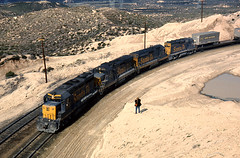 aka Bookends (GRNDMND) Tags: california santafe trains summit emd atsf cajonpass sd24 gp35