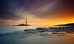 St. Mary's Lighthouse (Alistair Bennett) Tags: longexposure lighthouse seascape sunrise coast rocks stmarys whitleybay tynewear nd30 baitisland gnd075he gnd045se nikkorafs1635mmƒ4gedvr