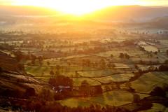 Mam Tor Sunrise (matrobinsonphoto) Tags: light sunset sun sunlight mountain set sunrise hope countryside back district hill peak ridge valley tor rise lose mam edale castleton