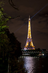 (Ben von Matterhorn) Tags: paris france tower seine night 35mm fix nikon europe tour eiffel nikkor afs d5000 benvonmatterhorn