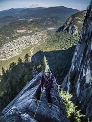 Nicole atop the Acrophobes (Karsten Klawitter) Tags: thanksgiving trip adventure climbing squamish 2012 angelscrest 510b