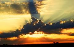 GOD LIGHT (1suncityboi) Tags: stunningskies mygearandme mygearandmepremium mygearandmebronze rememberthatmomentlevel1 magicmomentsinyourlifelevel1 rememberthatmomentlevel2 rememberthatmomentlevel3
