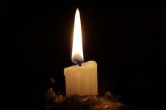 candela buio fiamma