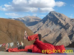 Eric Lon yoga at Demul (9) (Eric Lon) Tags: india cold yoga energy dynamic tibet heat practice souffle himalaya breathe froid warming spiti breathing inde tibetain himalayen chaleur activate respiration ericlon rechauffer demul acriver