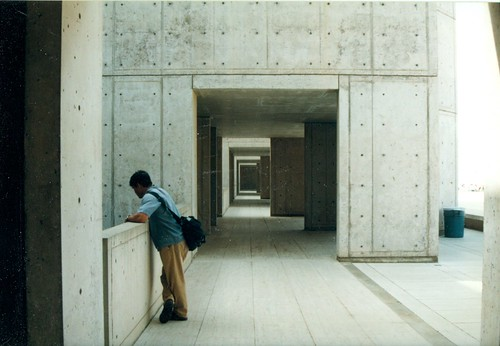 louis kahn salk institute (2) (TRANIMAGING) Tags: film architecture lajolla 1999 institute salkinstitute kodak800 nikonn50 hpscanjetg4050 louiskahnsalk