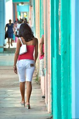 Galinetta cubana (Olivier Simard Photographie) Tags: moron morn cuba ciegodevilaprovince v8 castro oliviersimardphotographie nikond90 calle rvolution scnederue sexy lgance femme streetshot halter neck legs tan beauty women spartiates glamour miniskirt sensualit charme glamor allure charm pretty sensual horny charming bronzage chica girl dosnu woman fille candidshot jambes sensuality dos back escarpins fashion beaut brune backless buttocks chaussures shoes mode heels fesses bottom dsir fminit sduction couleur carabes stylecolonial colonial casa pastels casacolonial communisme colors couleurs architecture ciel architecturecoloniale ville town