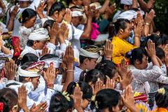 Ceremony in Jatiluwih - Bali (Bart Weerdenburg) Tags: bali indonesia indonesi ceremony hindu hindoe jatiluwih temple praying bidden people mensen