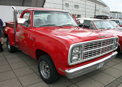 Li'l Red Express Truck (Schwanzus_Longus) Tags: bremen dodge adventurer 150 pickup pick up truck lil red express america american car flatbed german germany powerful strong us usa vehicle fahrzeug auto outdoor linien laster old classic vintage