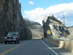 Narrow pass (diffuse) Tags: 16aug21 highway1 rock mountain passageway