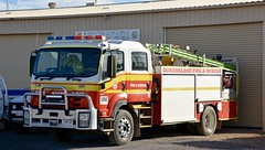 Queensland Fire and Rescue (quarterdeck888) Tags: trucks transport roadtransport haulage lorry class8 tractortrailer overtheroad heavyhaulage australianroadtransport nikon d7100 semitrailer frosty quarterdeck flickr jerilderietrucks jerilderietruckphotos truckphotos australiantruckphotos expressfreight freight roadfreight truck firetruck isuzu twincab crecab queenslandfireandrescue